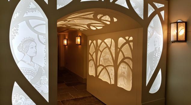 Illuminated arch Kensington Palace